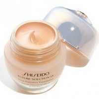 Shiseido Teint Future Solution LX Radiance G3